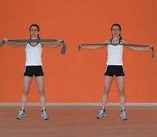 esercizi per spalle a casa gli esercizi per le braccia con elastico di giovanna lecis