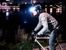 smarte alarmanlagen mehr sicherheit im lumos smarte fahrradhelme f 252 r mehr sicherheit im