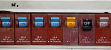 how to replace a circuit breaker fuse doityourself com