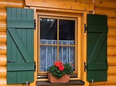 verniciare persiane come verniciare finestre in legno gi 224 verniciate colori