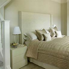 Small Small Simple Bedroom Ideas by Small Bedroom Ideas How To Decorate A Small Bedroom