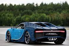 this size lego bugatti chiron looks and