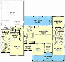 country craftsman house plans country craftsman house plan with split bedrooms 51817hz