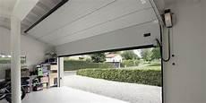 portone garage sezionale guida alla scelta portone sezionale come scegliere