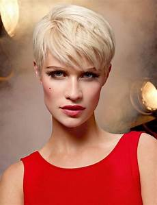 2019 popular pixie haircuts for oval face shape