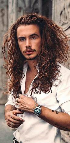 30 best curly hairstyles for men that will probably suit your face