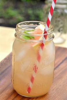 drink skinny southern style gin cocktails the realistic