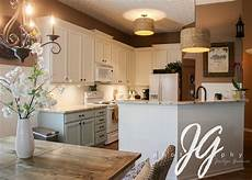 benjamin advanced paint acadia white upper cabinets wedgewood gray lower cabinets in