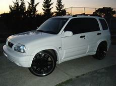 Atimos 2000 Suzuki Grand Vitara Specs Photos