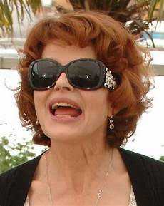 hairstyles for women over 50 with glasses the xerxes