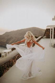 Intimate Destination Wedding In Santorini Bursting With Pas Grass