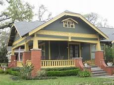 bungalow house colors bungalow exterior paint color