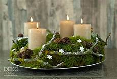 Diy Adventskranz Aus Naturmaterial Mit Moos Zweigen