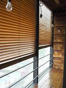 store venitien exterieur bois les stores v 233 nitiens en 50 photos rideaux et fen 234 tres