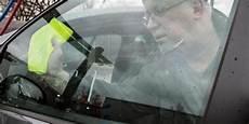 Autoscheiben Reinigen Brennspiritus - hausmittel zur autopflege im herbst