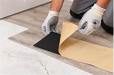 pavimenti adesivi prezzi pavimenti in pvc caratteristiche posa e soluzioni