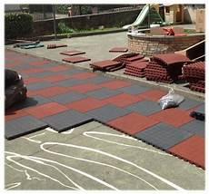 pavimento parco giochi pavimentazione antitrauma drenante pe33001 dimensione