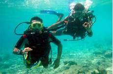 maldives to hold cabinet meeting underwater san antonio express news
