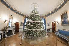 Whitehouse Decorations by White House Decorations 2016 Obama S