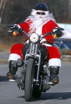 weihnachtsmann auf motorrad gif did you see santa cruising around on his mororcycle