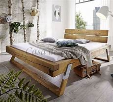massivholz balkenbett 200x200 holzbett kiefer eichefarben