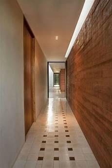 revetement mural couloir d 233 coration mur contemporaine en 50 belles id 233 es uniques