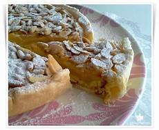 zuccotto con pan di spagna e crema pasticcera pan di spagna in crosta con crema pasticcera pinoli e mandorle bosco parrasio