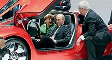 Russian President Putin Checks Out Vw S Xl1 Together With