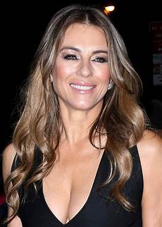 elizabeth hurley arriving at her hotel in new york city