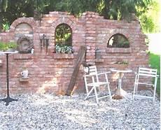 steinmauern als sichtschutz steinmauer terrasse