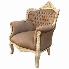 fauteuil quot princier quot de style baroque velours taupe et bois