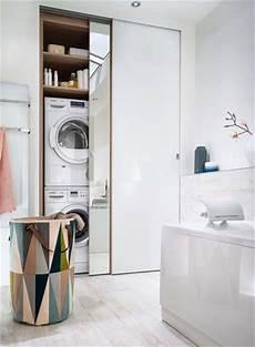 placard salle de bain une salle de bains qui combine rangements et buanderie