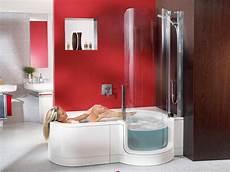 Badewanne Mit Integrierter Dusche Kleine Baeder Kariert