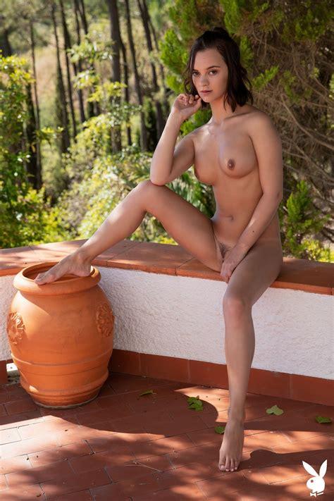 Laura Marino Sexy