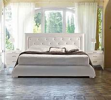 letti imbottiti classici letti imbottiti in pelle danti divani