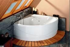 baignoire en coin avec la nouvelle vague des petites baignoires baignoire