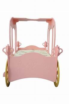 kinderbett kutsche wundersch 246 nes kinderbett prinzessin kutsche in rosa