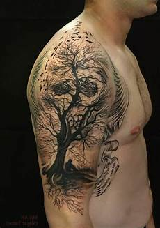 Oberarm Tattoos Männer - die besten 25 brust oberarm ideen auf
