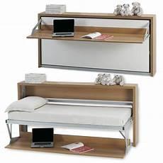 Un Mini Bureau Et Un Mini Lit Armoire Lit Bureau 1