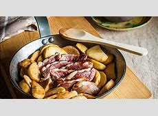 duck breast with fried apples_image