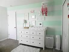 Grau Weißes Zimmer - wandfarbe mintgr 252 n f 252 r kinder und babyzimmer 50 ideen