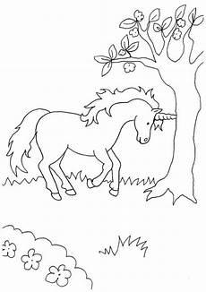 Einhorn Horn Ausmalbild Kostenlose Malvorlage Einh 246 Rner Einhorn Am Baum Zum Ausmalen