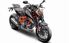 ktm 1290 superduke the beast gets upgraded with the 2020 ktm 1290 duke r asphalt rubber