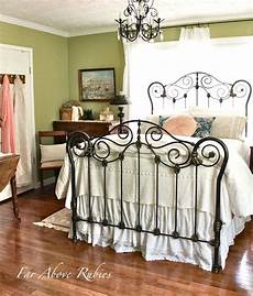 Bedroom Ideas Black Iron Bed by 25 Best Ideas About White Iron Beds On Black