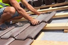 dach abdecken anleitung dach decken material kosten und ablauf anleitung und