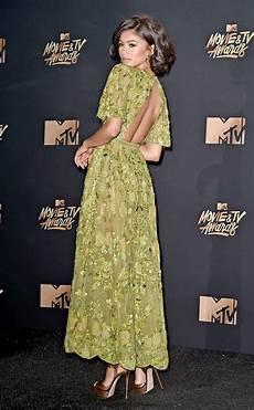 Best Dressed At Mtv Tv Awards 2017 Hailee