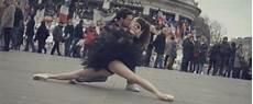 danse quai de seine 2016 vid 201 o de la danse et des baisers dans les rues de