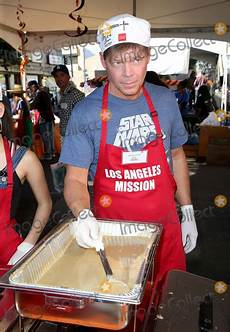 l émission photos and pictures 23 november 2017 los angeles california rob liefeld los angeles