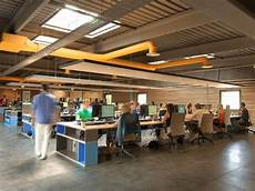 187 virtualexpo open space office by multipod studio