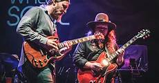 tedeschi trucks band members tedeschi trucks band welcomes king in charleston photos